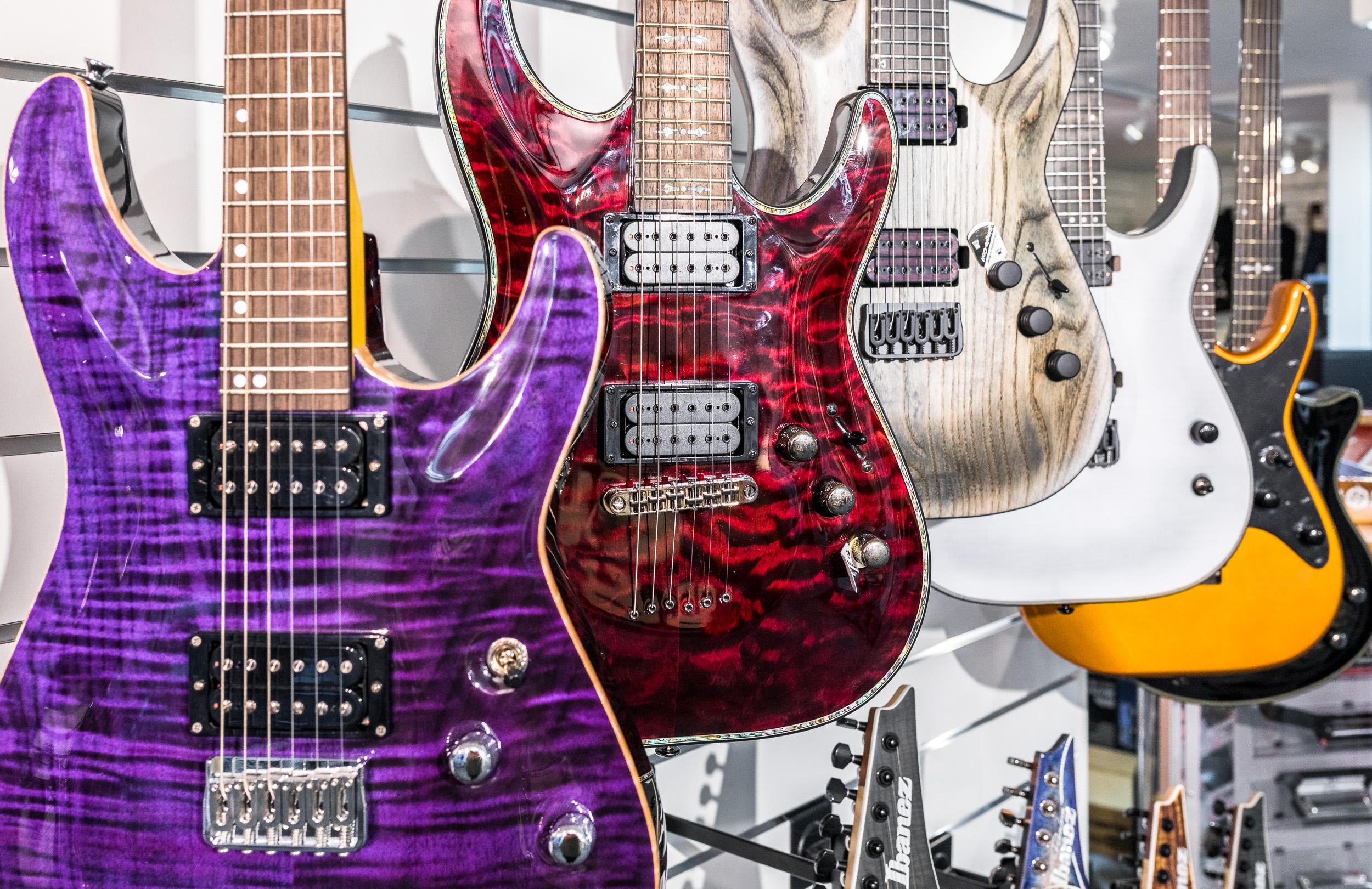 E-Gitarren bei Reisser Musik